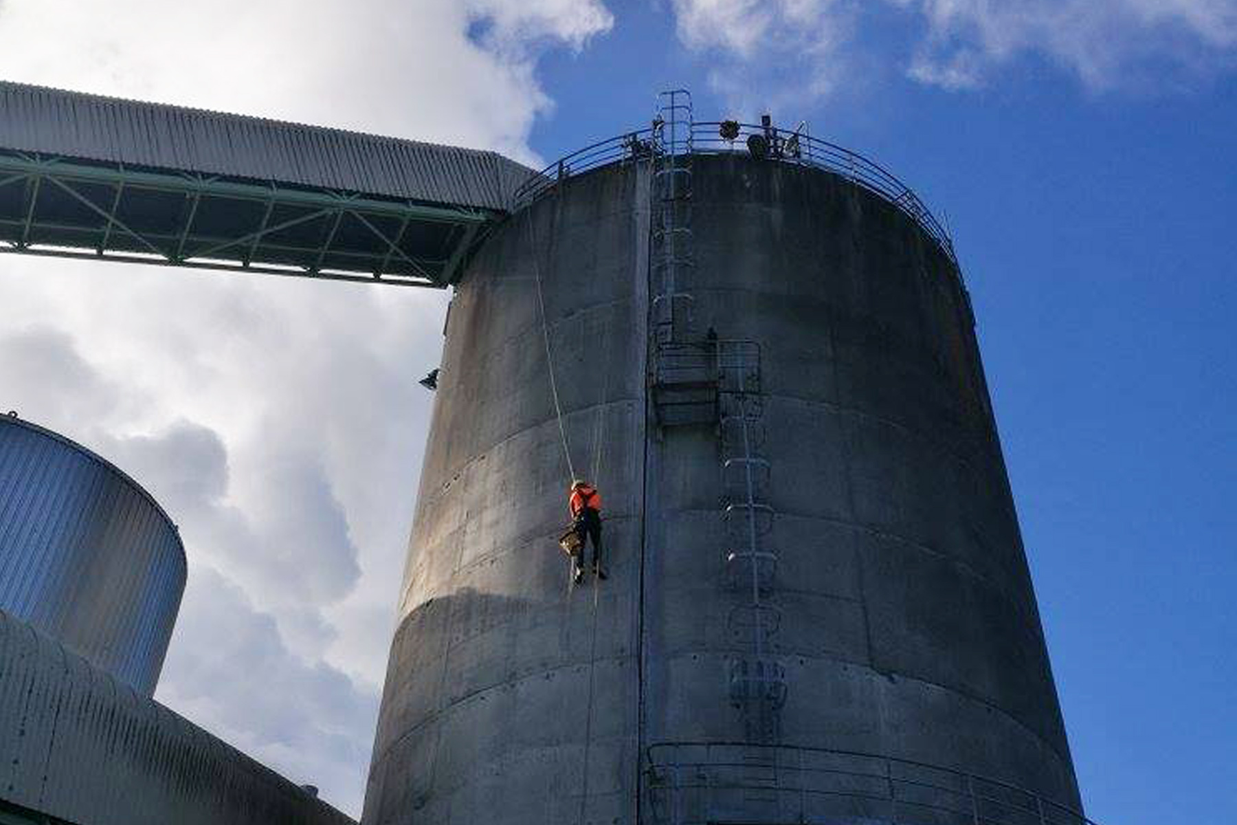 rocket scaffolding rope access outside tank