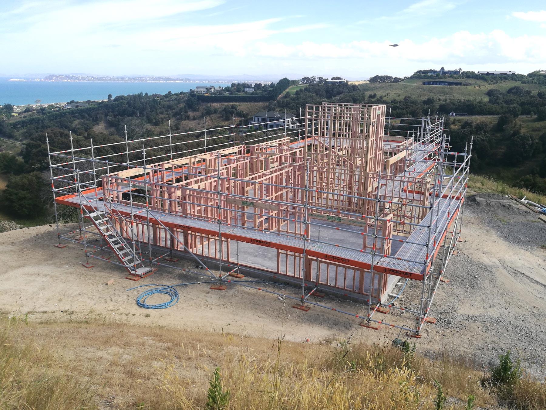 https://rocketscaffold.nz/wp-content/uploads/2019/08/img-rocket-scaffolding-house-new.jpg